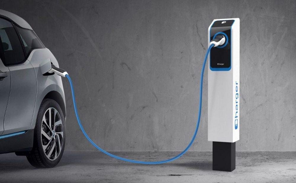 ricaricare auto elettrica